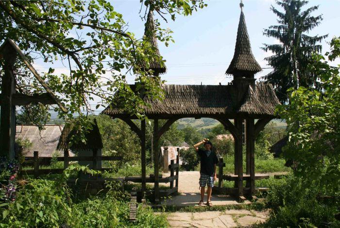 Gate in Maramureș