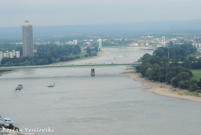Colonia-Haus, Zoobrücke & Mülheimer Brücke over Rhine