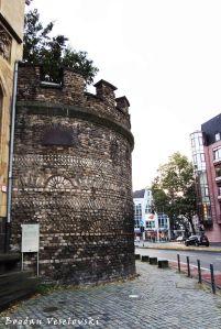 Roman town wall on Zeughausstraße 13