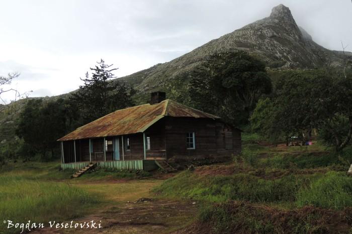 Thuchila Hut