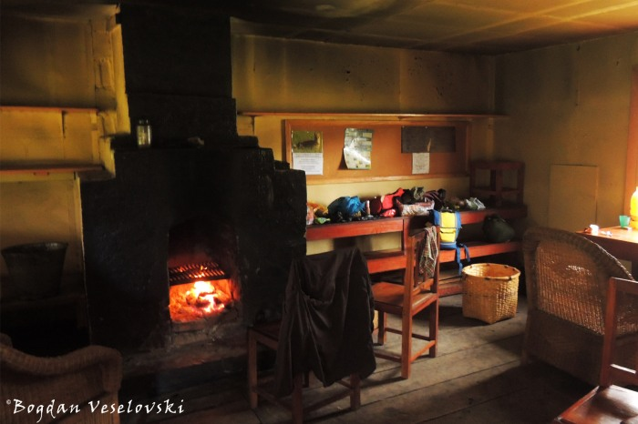Inside the Chambe Hut