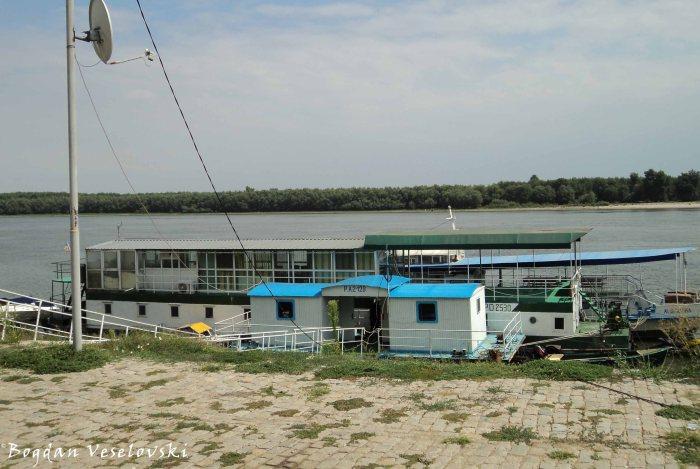 Boat on Danube, Galați