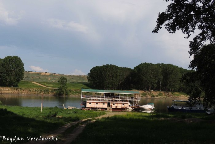 Boat on Dniester river, Vadul lui Vodă