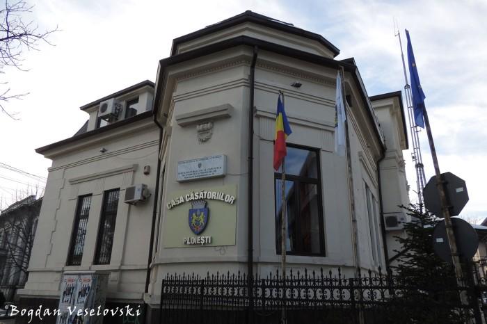 Casa Căsătoriilor Ploiești (The Marriage House)