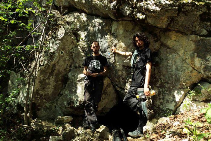 Filipova Díra Cave, Gârnic