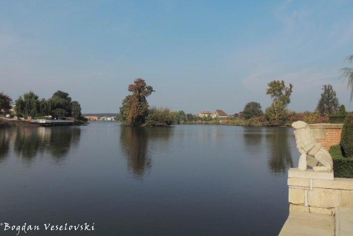 Mogoșoaia Lake