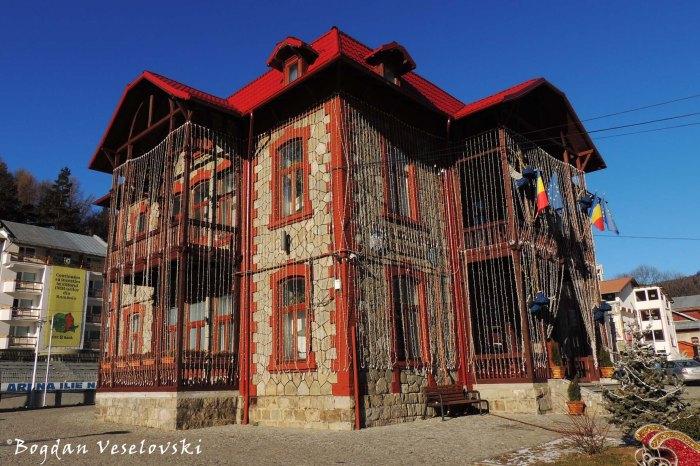 Primaria Bușteni (Bușteni Town Hall)