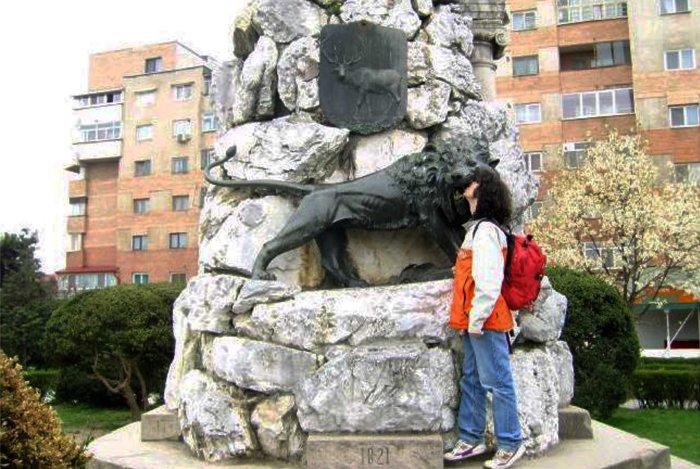 Tudor Vladmirescu monument, Târgu Jiu