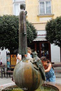 St. George Fountain (Szent György-szobor)