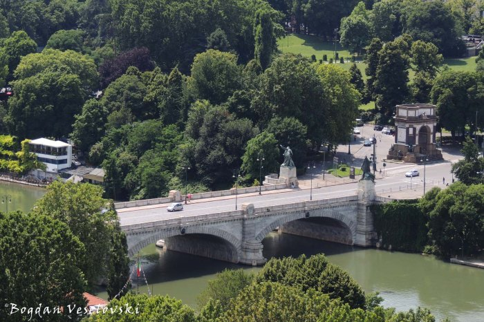 Ponte Umberto I (Umberto I bridge)