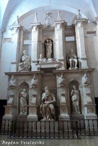 Tomb of Pope Julius II with Michelangelo's Moses statue in the Church of Saint Peter in Chains (La tomba di Giulio II con il Mosè di Michelangelo, Basilica di San Pietro in Vincoli)