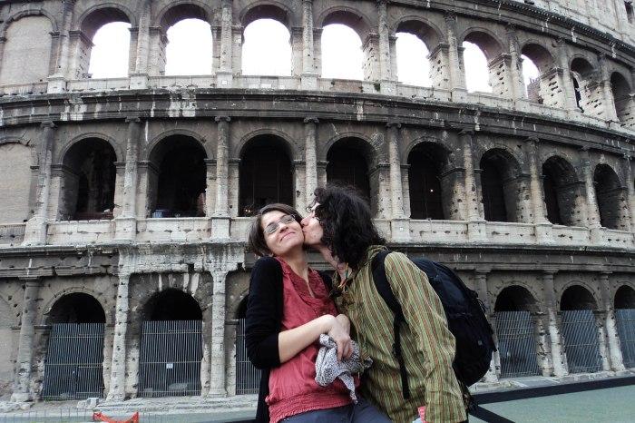 Colosseum kiss