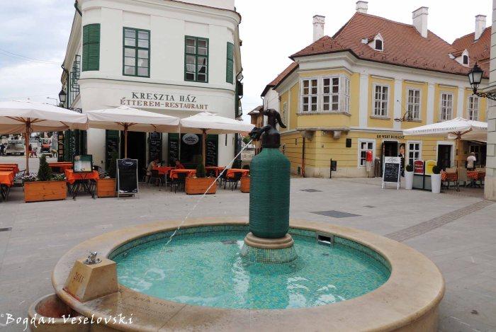 Jedlik-csobogó fountain, Gutenberg Square, Győr