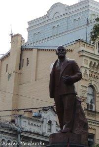Lenin's monument in Kiev (Пам'ятник Леніну в Києві)