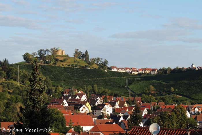 Grave chapel & vineyards in Uhlbach