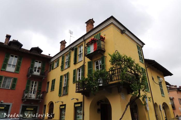 Building in Piazza Luigi Bima