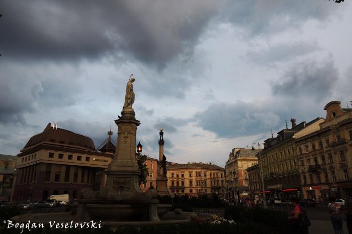Mickiewicz Square (Площа Міцкевича)