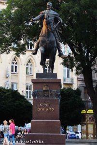 Daniel of Galicia monument, Lviv (Пам'ятник Данилу Галицькому)