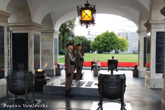 Eternal flame and honor guard of the Tomb of the Unknown Soldier, Warsaw (Grób Nieznanego Żołnierza)
