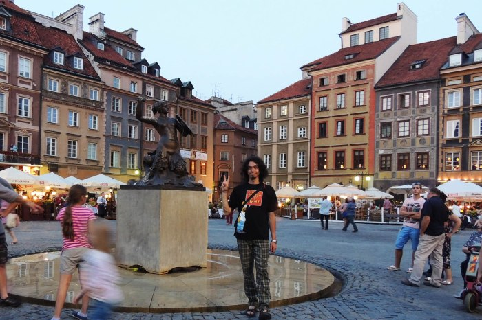 The mermaid in the centre of Warsaw's Old Town