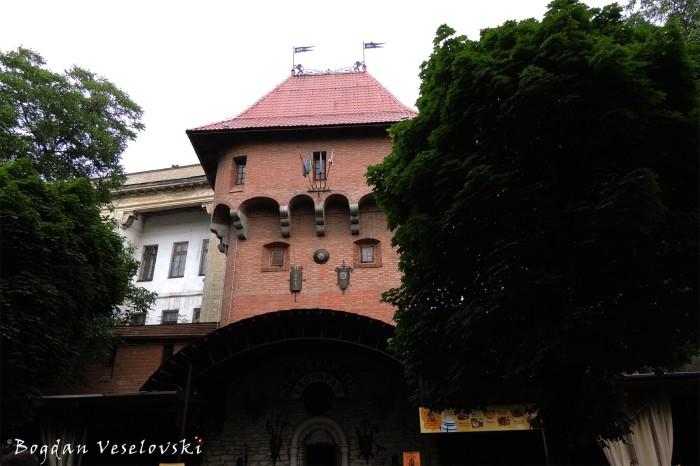 Merchants' Tower restaurant, Lviv (Вежа Крамарів ресторан, Львів)