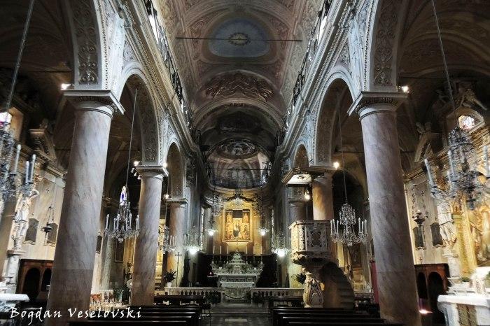 Concattedrale di San Pietro - La navata centrale