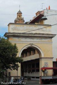 Carlo Alberto di Savoia Arch, Finale Liguria