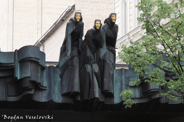 Lithuanian National Drama Theatre statues