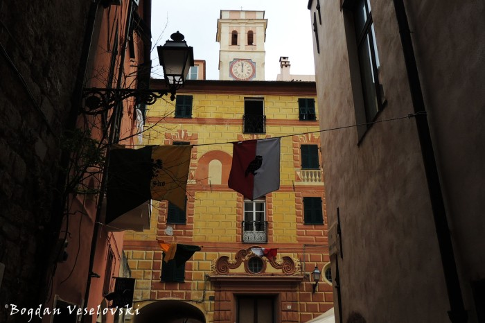 Piazza Girolamo Rossi, Albenga