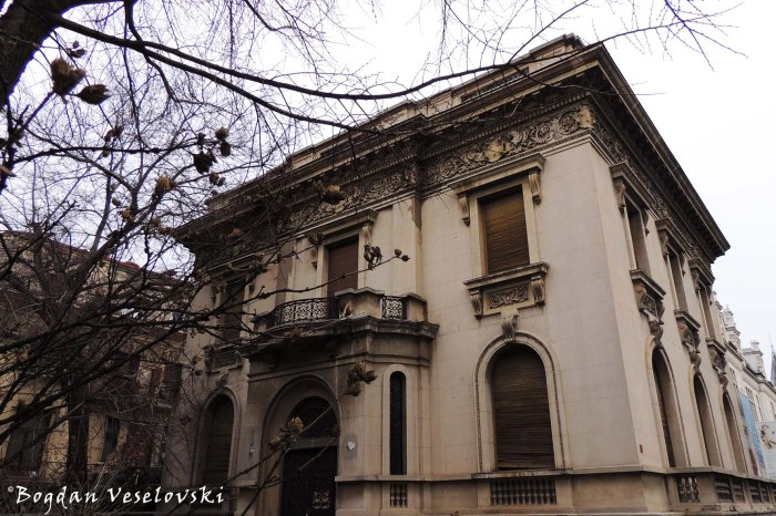 75A, Dacia Blvd - House (~1925, eclectic style)