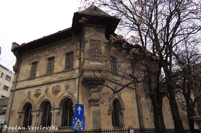 1, Piața Romană - Nicolae Petrașcu House (1907, archit. Ion Mincu, Neo-Romanian style)