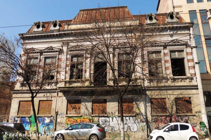 11 Iunie Street - abandoned house