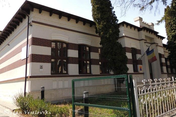 114, Republicii Blvd. - 'Nicolopol' School, today 'Dinu Lipatti' High School of Arts (1874)