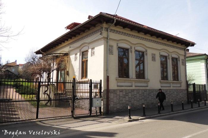 12, Armand Călinescu Str.