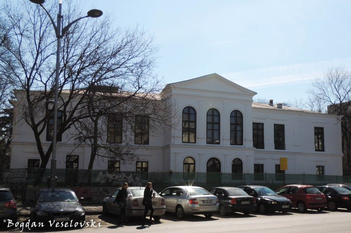 12, Dacia Blvd. - Casa Scarlat Kretulescu - Muzeul Literaturii Române (Kretzulescu House - Museum of the Romanian Literature, 1839)
