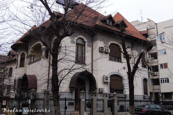 83, Dacia Blvd. - Commander Alexandru Cătuneanu Villa (1915, arch. Paul Smărăndescu, Neo-Romanian style)