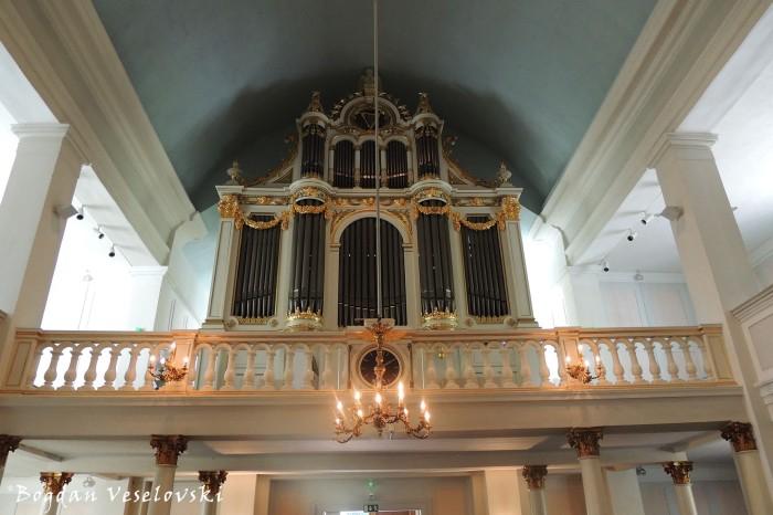 Helsinki Old Church - Pipe organ