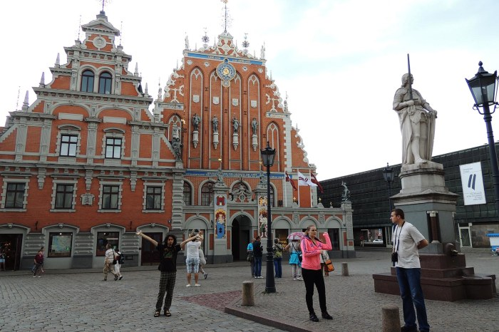 Melngalvju nams (House of the Blackheads, Riga)