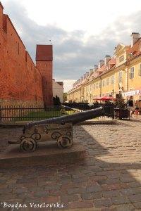 Torna iela - cannon & fortress wall, Riga