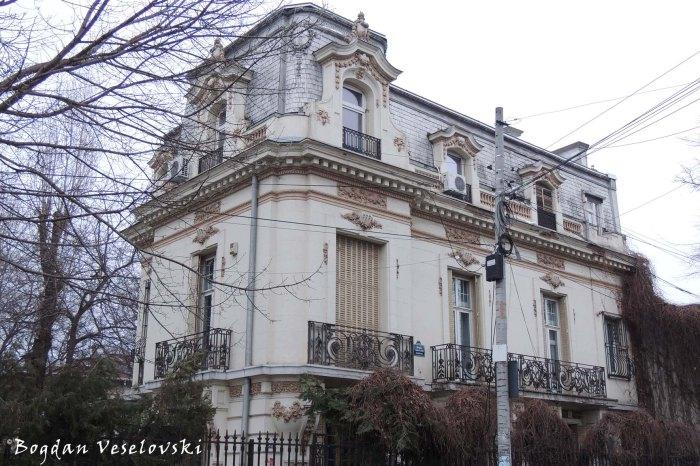 82, Jean Louis Calderon Str. - Gheorghe Stoicescu House (arch. I.D.Berindey)