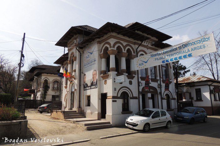 44, Armand Călinescu Str. - 'Prefect Villa', annex of the Former Prefecture, today ALDE Argeș headquarters