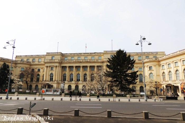 49-53, Calea Victoriei - Palatul Regal din București - Muzeul Național de Artă al României (Royal Palace of Bucharest, today the National Museum of Art of Romania, arch. Nicolae Nenciulescu)