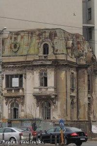 7, Piața Romană - Nanu-Muscel House (~1890, archit. I. D. Berindey, Louis XV & Louis XVI styles)