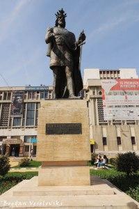 Monument to Mircea cel Batran in front of 'Al. Davila' Theatre
