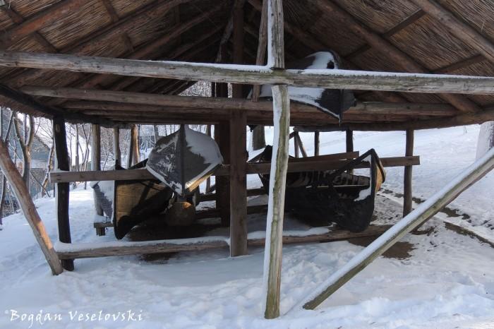 Șopronul de barci (Boat shelter)