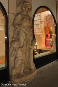 Bas-relief, Hannover