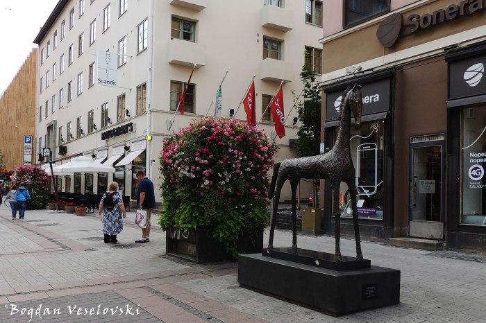 'Horse of Happiness' by Rafael Saifulin on Yliopistonkatu, Turku