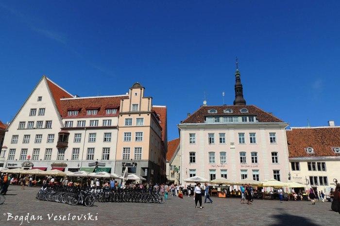 Raekoja plats (Town Hall Square, Tallinn)