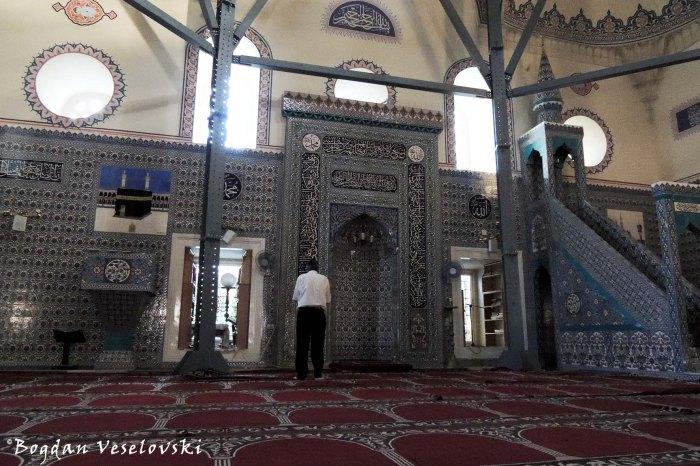Баня баши джамия (Interior of Banya Bashi Mosque, Sofia)
