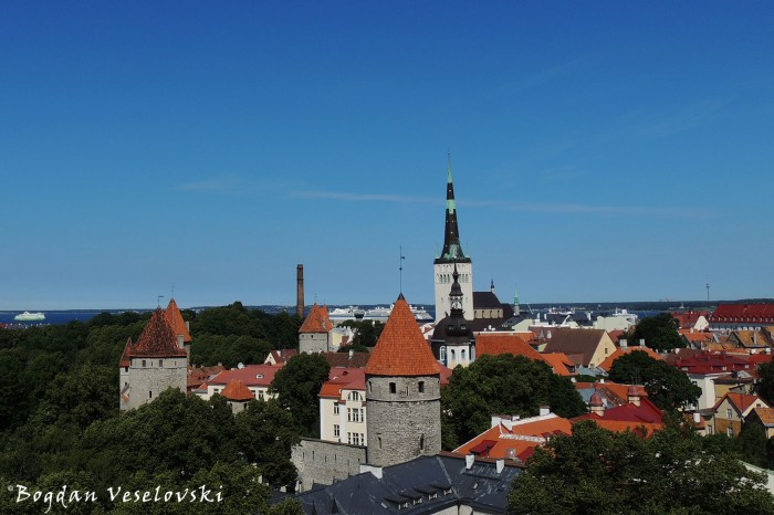Tallinn Old City - city walls & St. Olaf's Church